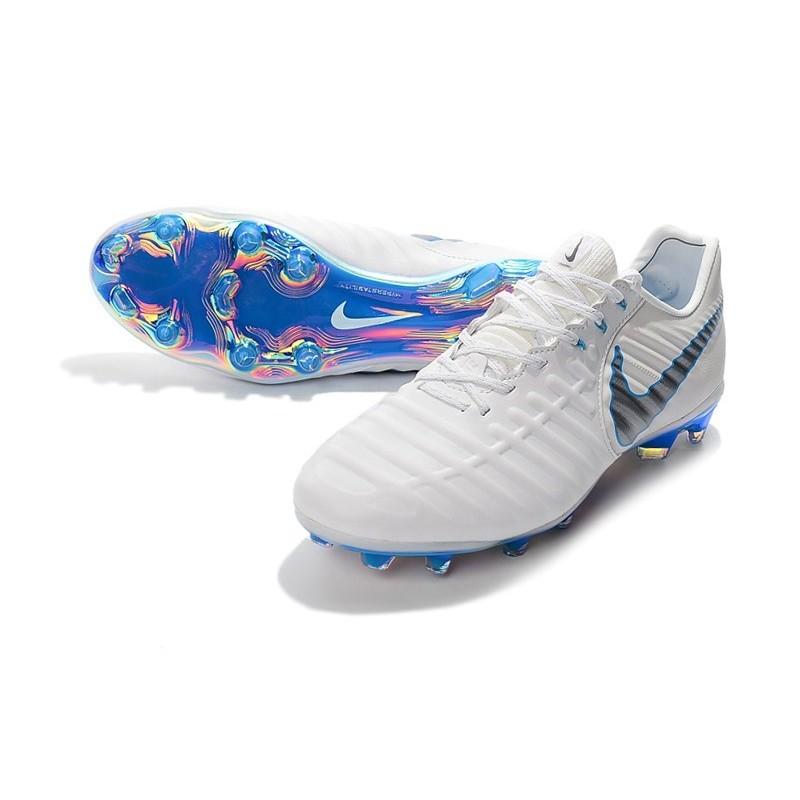 49c3a8031 Nouvelles Crampons pour Hommes - Nike Tiempo Legend VII Elite FG Blanc Gris  Métallique Bleu Héros Zoom. Précédent. Suivant